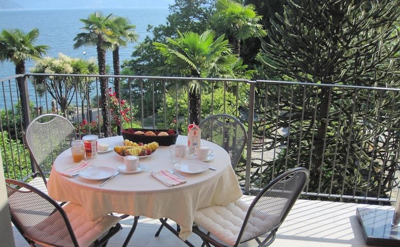 Breakfast Garden Porto Valtravaglia